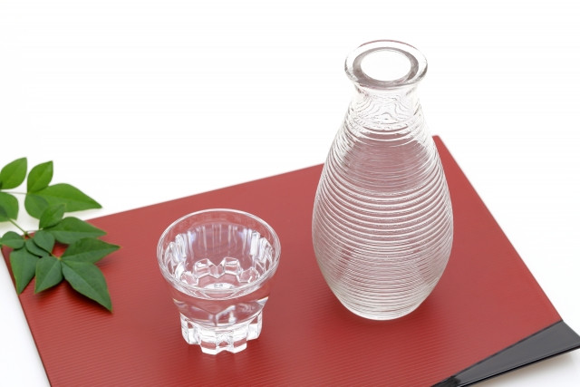 徳利と日本酒